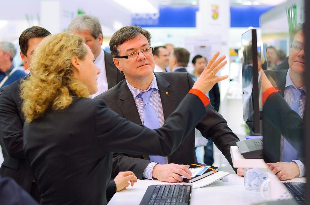 2014-03-13-007-CeBIT_Fujitsu_Delegation_Tiesler