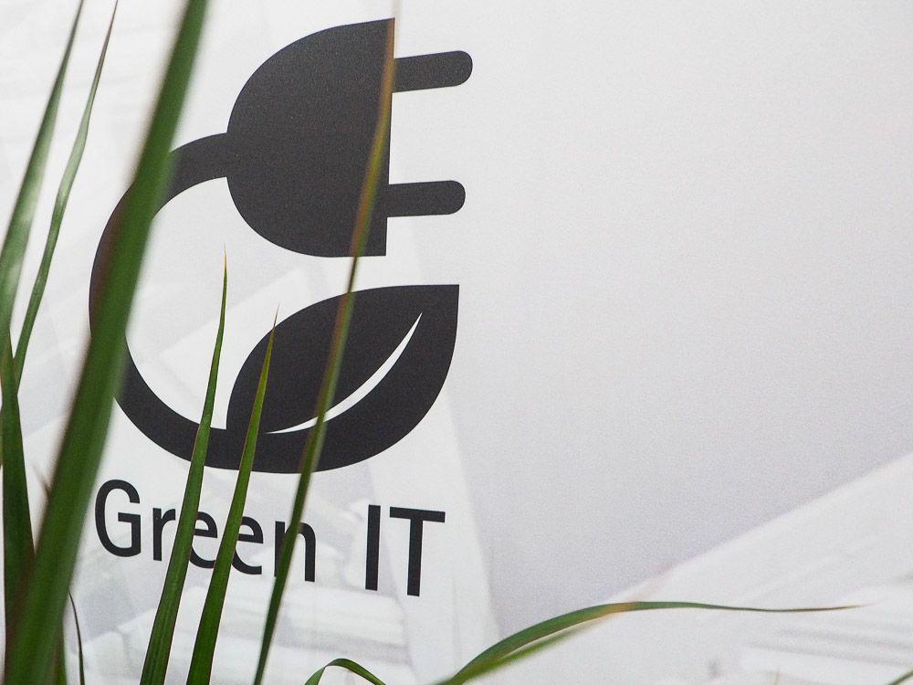 20150316-Fujitsu-CeBIT2015-GreenIT-004