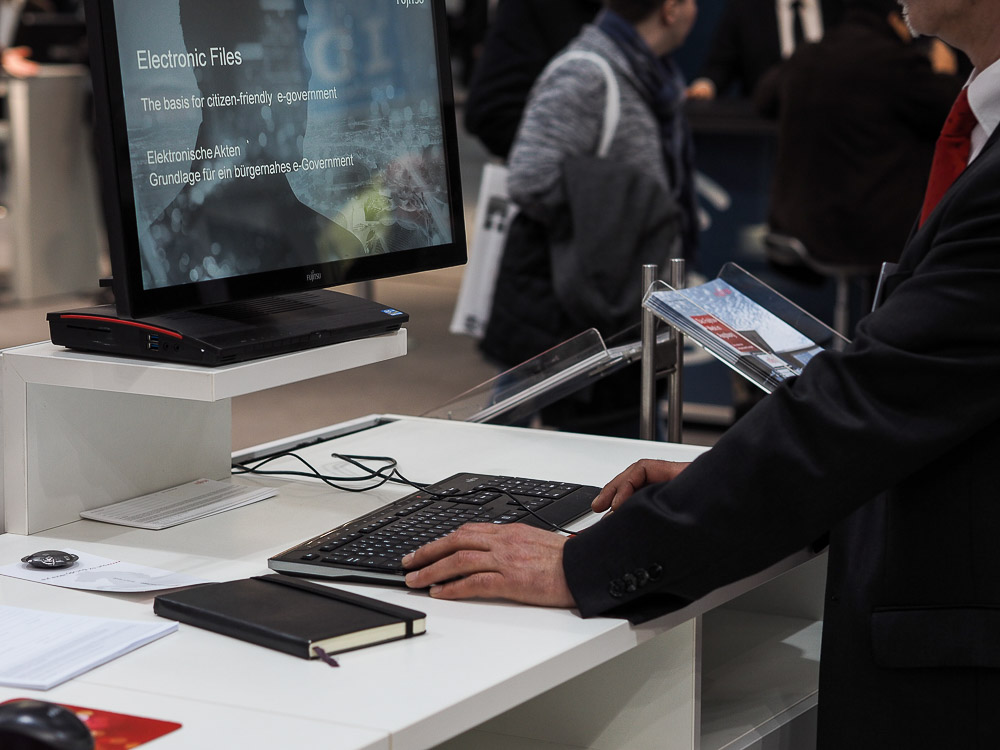 20150316-Fujitsu-CeBIT2015-LIFEBOOK-eAkte-006