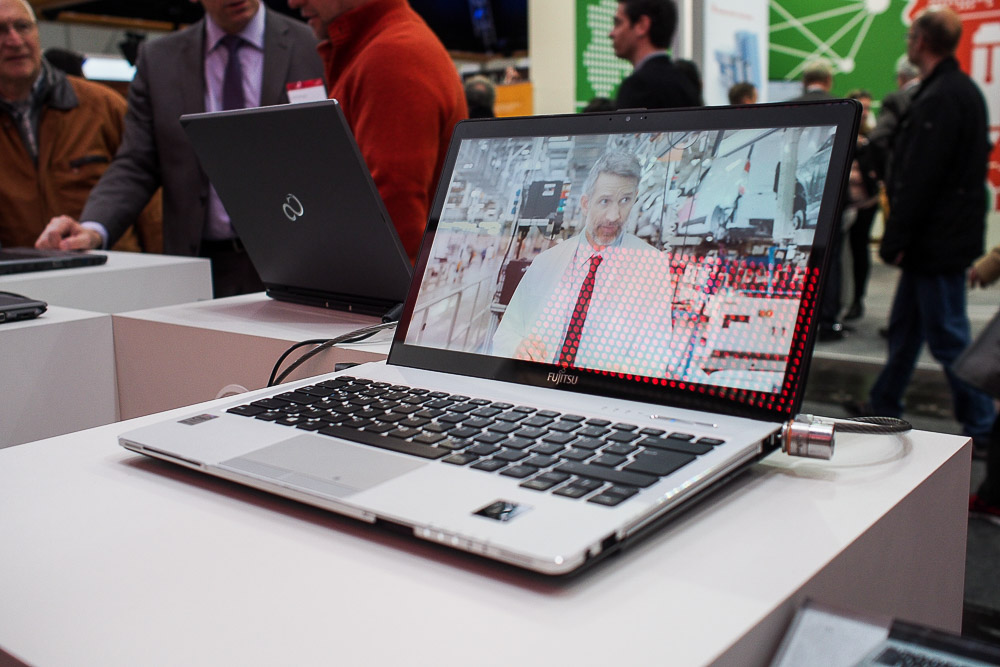 20150317-Fujitsu-CeBIT2015-LBS935-002