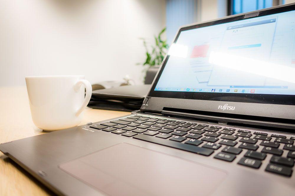 Die Fujitsu Kaffeetasse - im Mittelpunkt steht auch zu Jahresbeginn die Digitalisierung