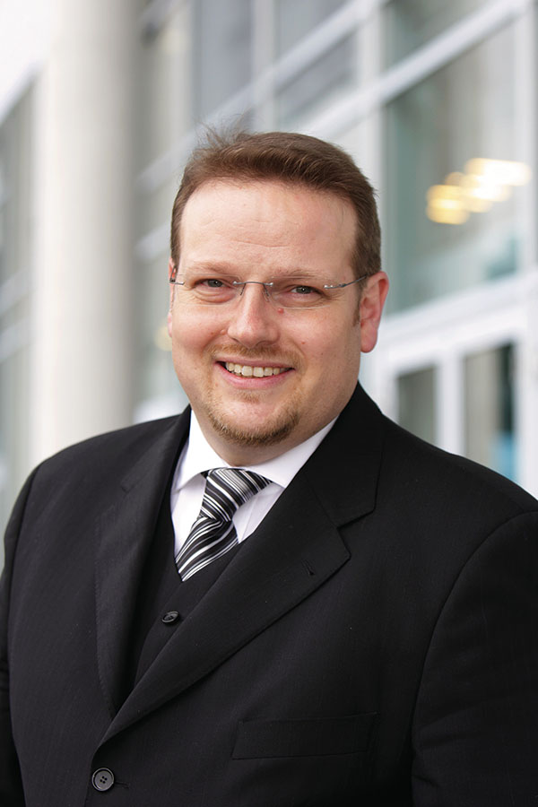 Michael_Melzig__Head_of_Product_Segment_Manager_Business_Clients__Technology_Integration_Services_Region_Germany_lpr