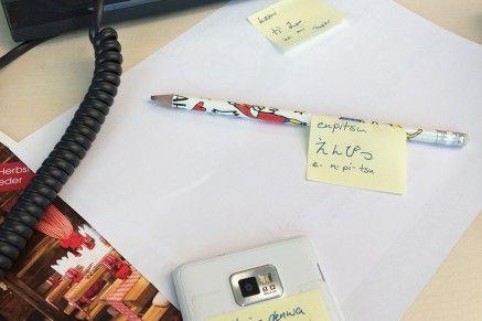 Schreibtisch_haftnotizen