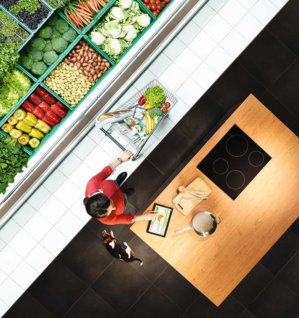 35714_Connected_Retail_Campaign__supermarket_kitchen__hpr