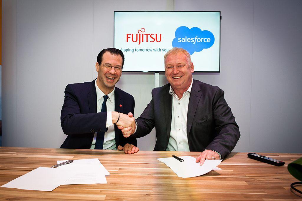 Unterzeichnung Fujitsu und Salesforce