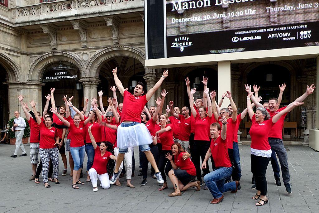 Fujitsu Flashmob an der Wiener Oper