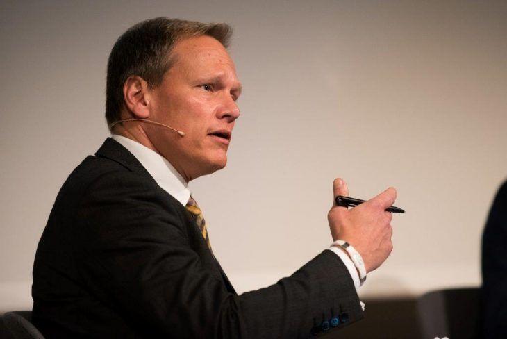 Moderator Jochen Michels, Head of Public Affairs und Leiter des Berliner Verbindungsbüros, Fujitsu