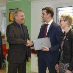 Übergabe von 56 Tablets für die Smart School in St. Wendel