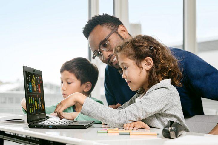 Schüler und Lehrkräfte verwenden zunehmend digitale Medien, sowohl im Unterricht als auch zur Vor- und Nachbereitung zu Hause.
