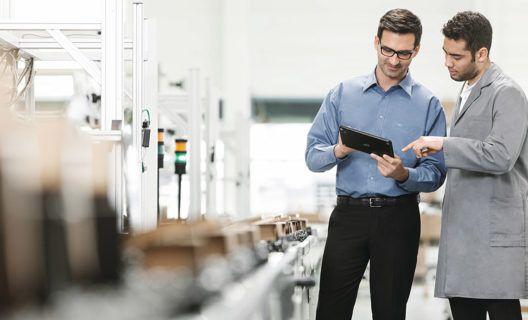 Pain Points in der Produktion – und ihre Lösung. Drei Fragen zur Integrativen Fabriksteuerung