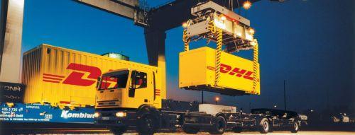 DHL Container werden verladen