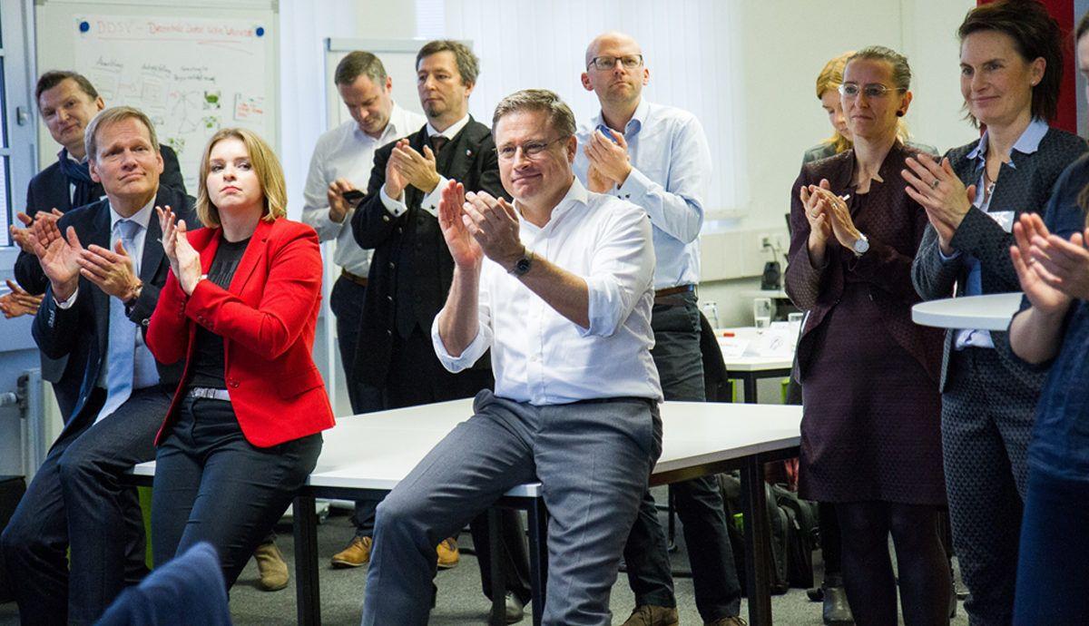 Design Thinking-Workshop nach der HDX-Methode von Fujitsu beim Digitalgipfel der Bundesregierung in Nürnberg