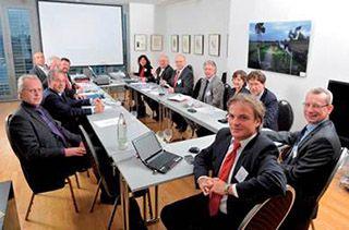 Der Anwenderverein wurde am 27. Oktober 2010 von zehn deutschen Unternehmen und Behörden in Berlin gegründet.