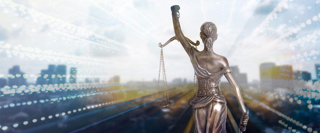 Von sperrigen Akten zur smarten Justiz – dank Robotic Process Automation